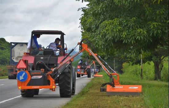 Activan unidades desbrozadoras para mantenimiento de autopista centro occidental