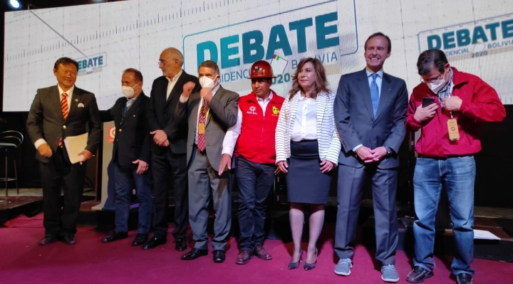 Candidatos presidenciales de Bolivia se comprometen a respetar el resultado menos el MAS