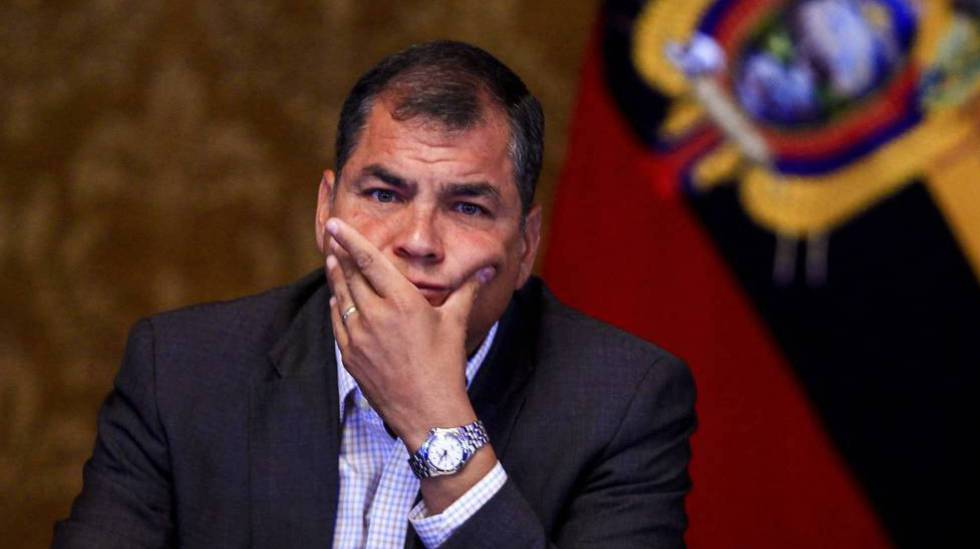 Ecuador pide difusión roja de Interpol contra expresidente Correa