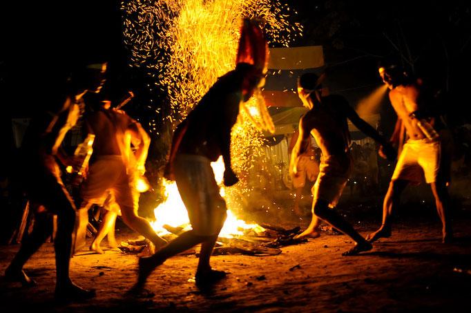 Suspenden tradicional Baile en Candela de la montaña de Sorte