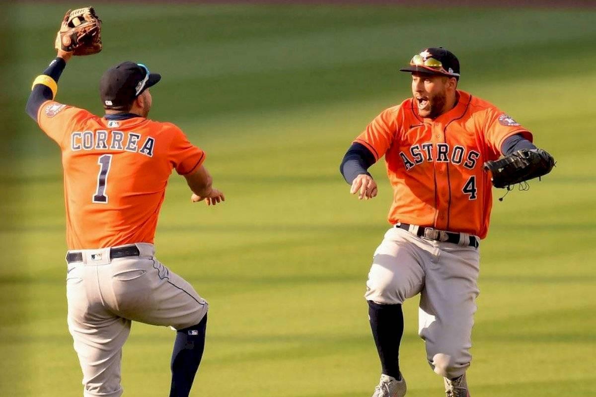 Con derby de jonrones Springer y Correa dan triunfo a Astros 10-5 sobre los Atléticos