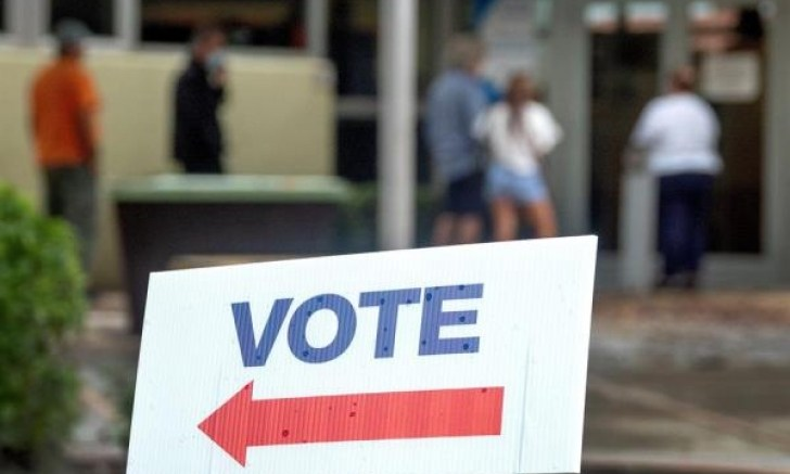Irán y Rusia niegan las acusaciones de interferencia electoral en EEUU