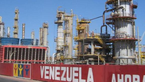 PDVSA aspira a normalizar suministro de gasolina en noviembre