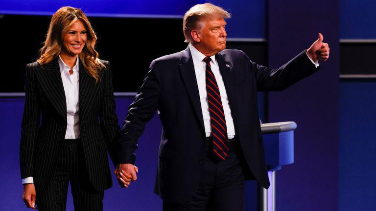 Donald Trump  informó que el y su esposa Melania dieron positivo para COVID-19