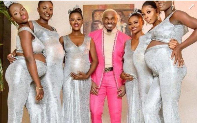 Asistió a la boda con sus seis novias embarazadas y ardieron las redes
