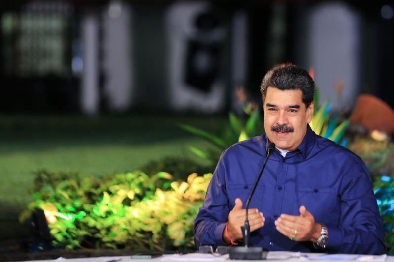 Maduro dice estar dispuesto al diálogo con Biden y felicita su victoria