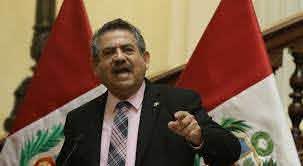 Jefe del Congreso peruano asumirá la Presidencia ante la destitución de Vizcarra