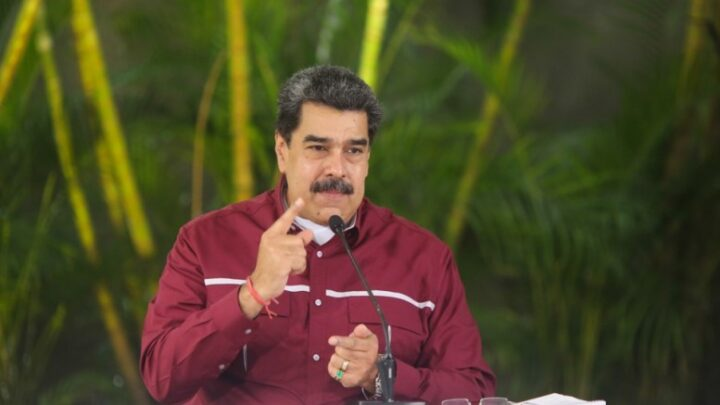 Maduro: Mañana arrancan 4 semanas de flexibilización en 53 sectores económicos