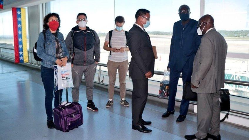 CNE continúa recibiendo veedores internacionales para comicios del 6-D
