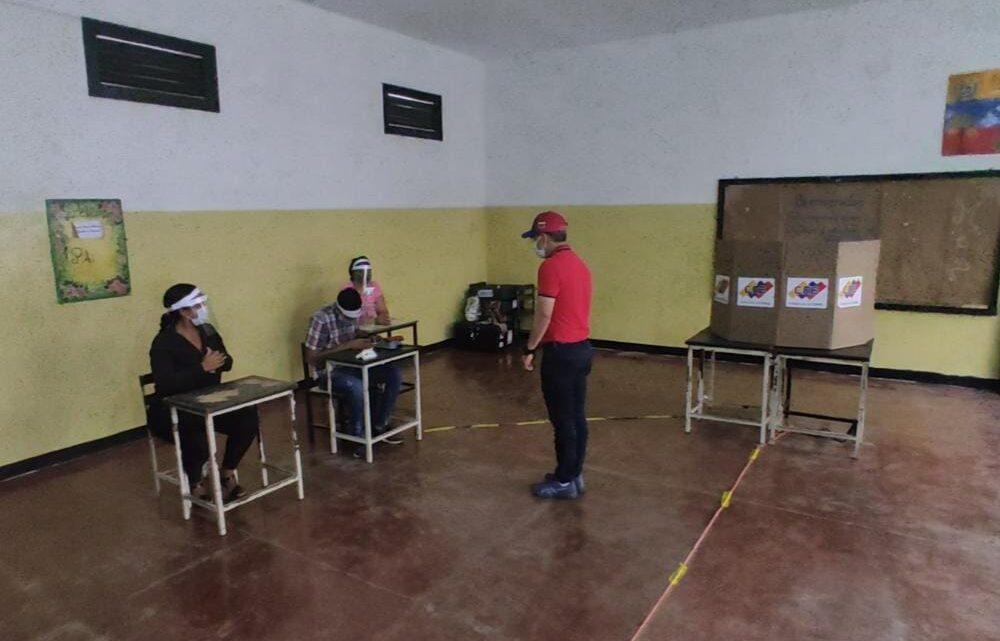 """Gobernador León: """"Las elecciones de este domingo 6D han sido un voto castigo, pero al mismo tiempo un voto de esperanza"""""""
