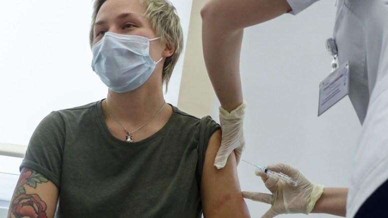 Moscú inicia vacunación masiva contra la Covid-19 con Sputnik V