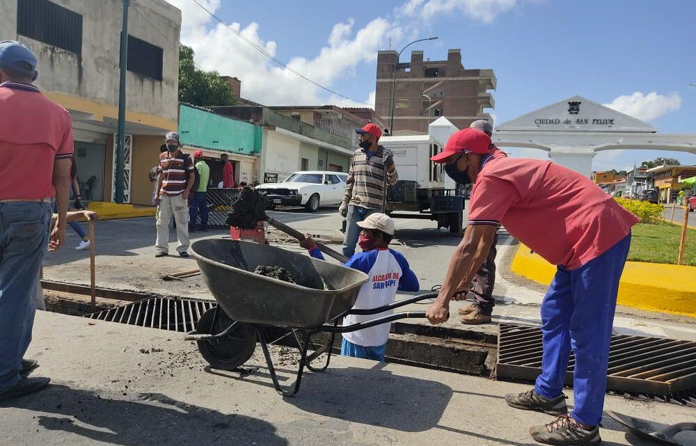 Alcaldía de San Felipe a través del Plan de Embellecimiento San Felipe Me Gusta ejecuta mantenimiento en alcantarillados