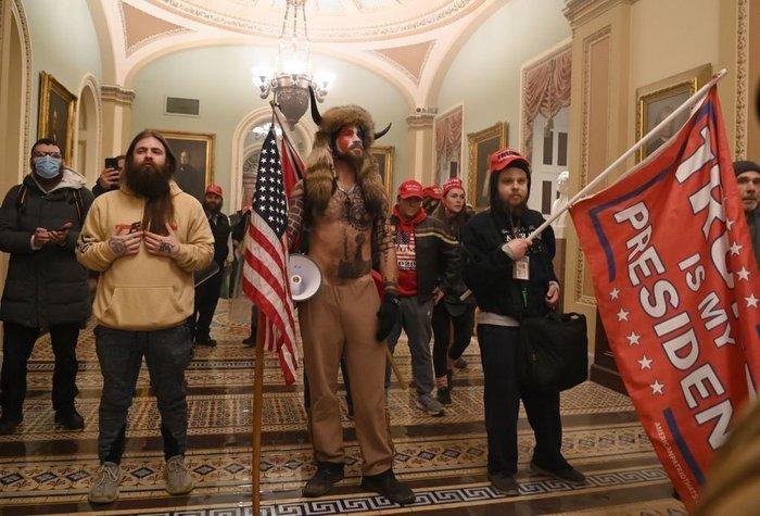 Ordenan toque de queda en Washington en medio del caos de protesta electoral