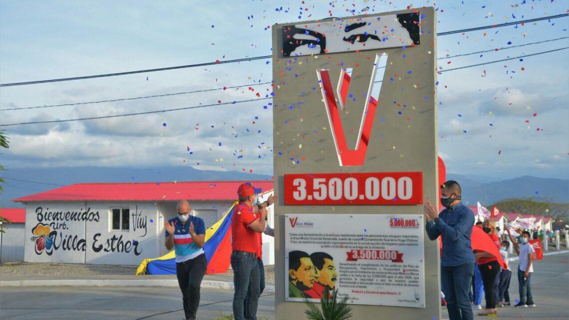 Gobernador León: Yaracuy celebra que le haya tocado el privilegio de debelar el hito 3.500.000 de viviendas construidas a nivel nacional