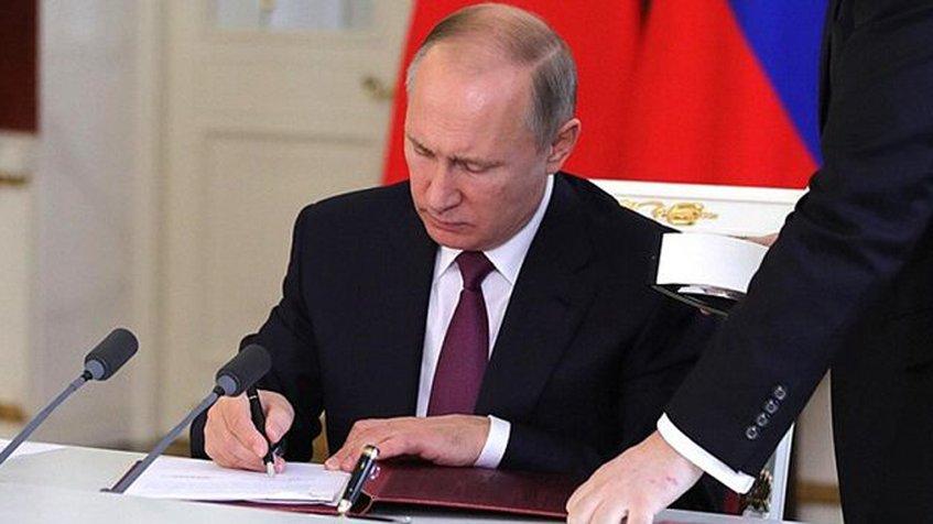 Putin tilda de peligrosos los intentos golpistas en Venezuela