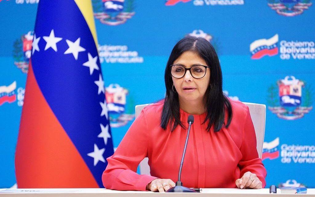 Delcy Rodríguez denuncia guerra mediática contra Venezuela