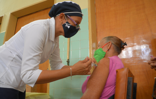 Inició en Yaracuy vacunación contra COVID-19 en personas mayores de 60 años