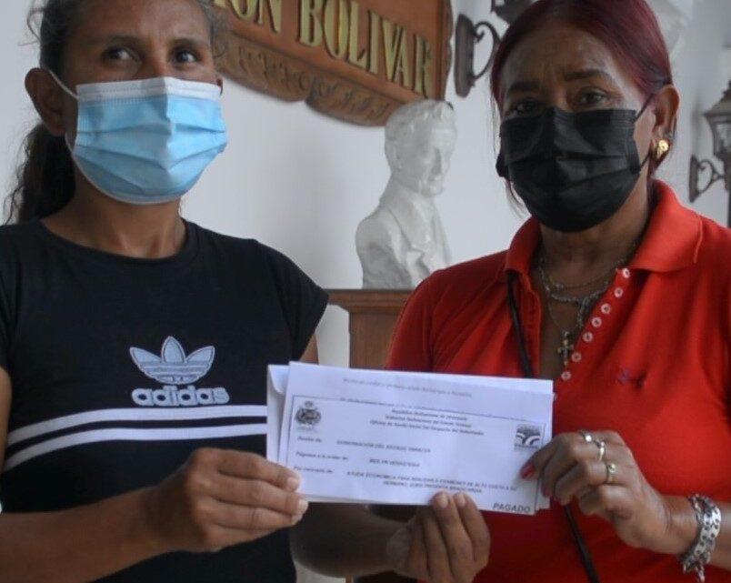 Gobernador León ha entregado más de Bs. 51 millardos en ayudas sociales en lo que va de año