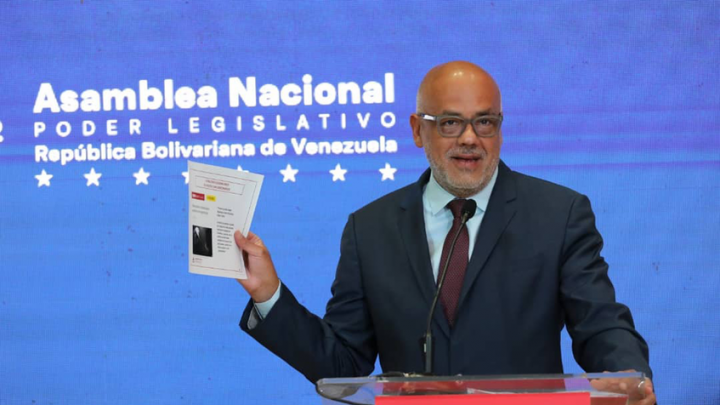 Jorge Rodríguez presenta pruebas de vínculos entre opositores de VP, bandas criminales y mercenarios colombianos